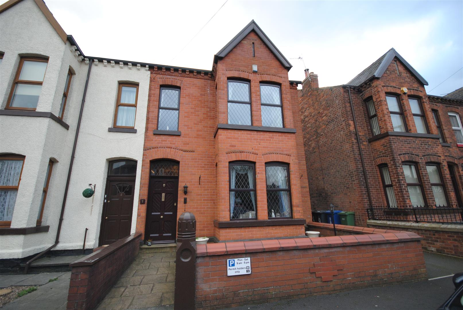 4 Bedrooms Semi Detached House for sale in Park Crescent, Wigan